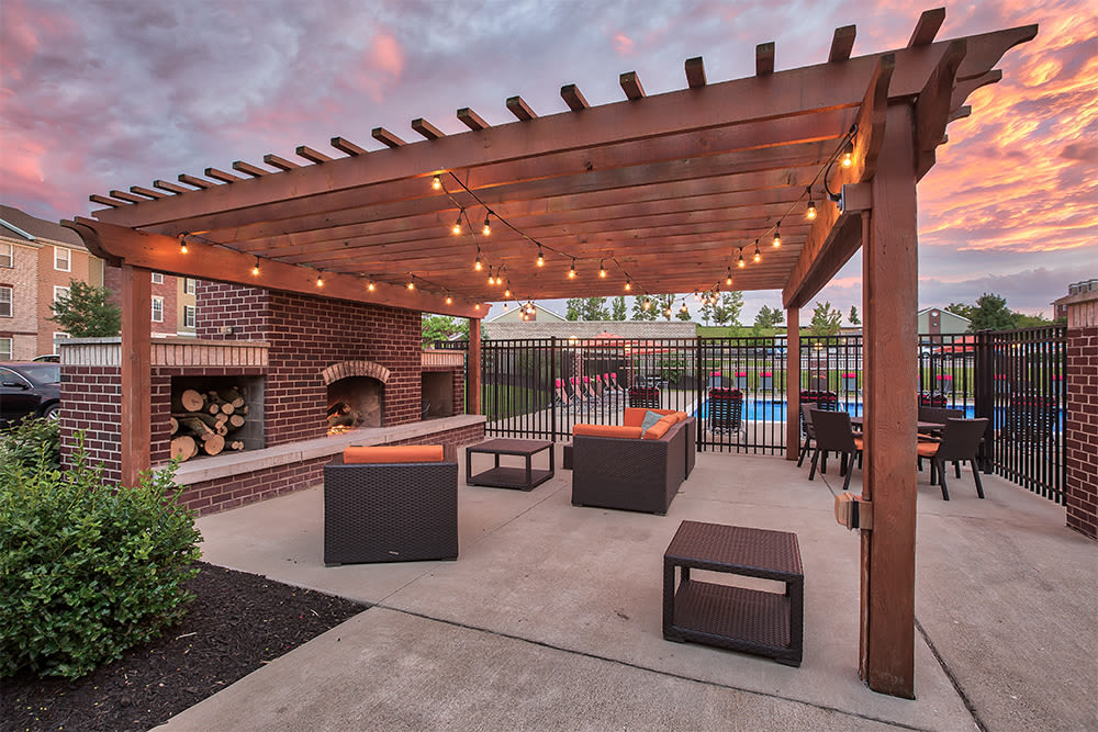BBQ area at Overlook Apartments in Elsmere, Kentucky