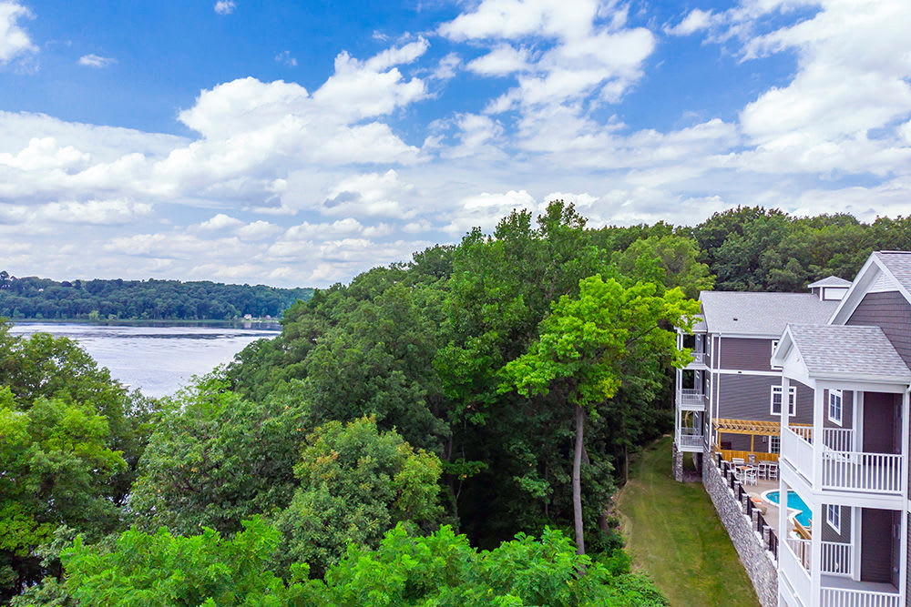 Apartments for rent on the water at Waters Edge Apartments in Webster, New York