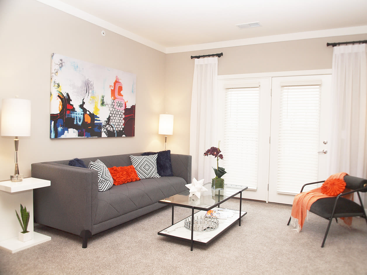 Allure Apartments offers a Beautiful Living Room in Centerville, Ohio