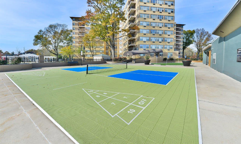 Outdoor recreation space at Parkview at Collingswood Apartment Homes in Collingswood, New Jersey
