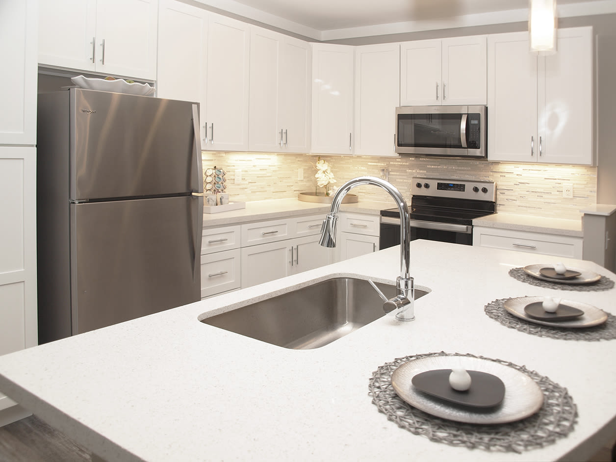 Modern kitchen with well appointed amenities at Element Oakwood in Dayton, Ohio