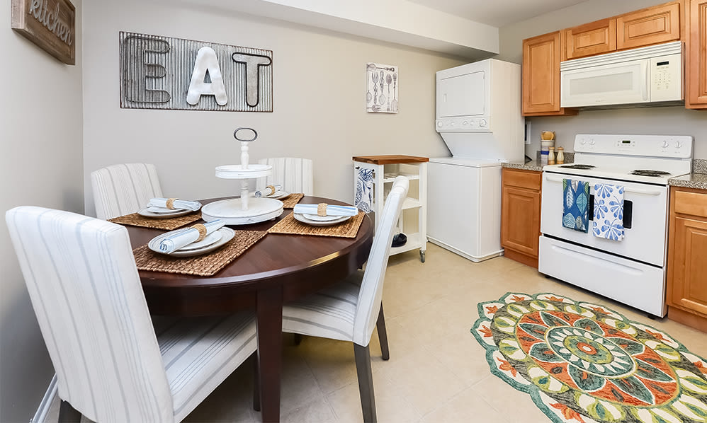 Kitchen & Dining Area at Lumberton Apartment Homes in Lumberton, New Jersey