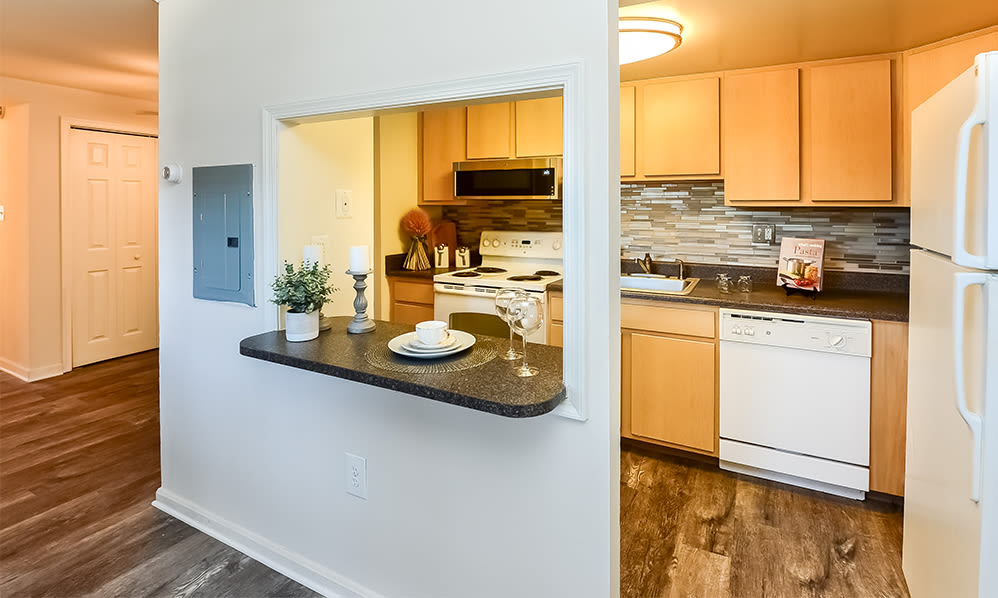 Enjoy Apartments with Kitchen Standing Islands at Waterview Apartments