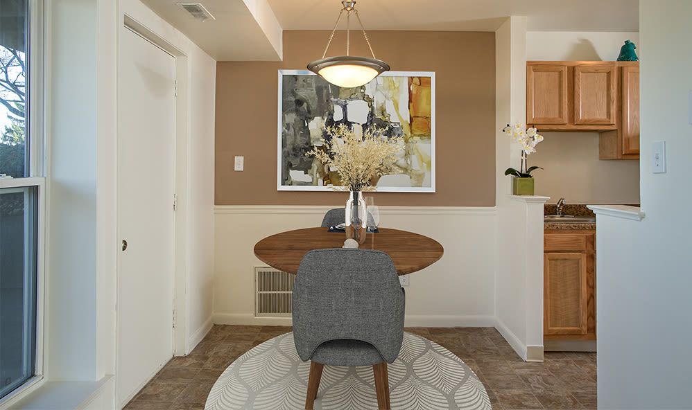 Beautifully designed dining area at Hillcrest Village in Niskayuna, New York