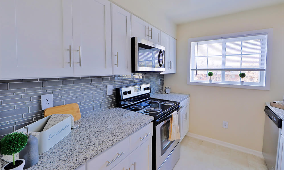 Modern kitchen at Mount Vernon Square Apartments in Alexandria, Virginia