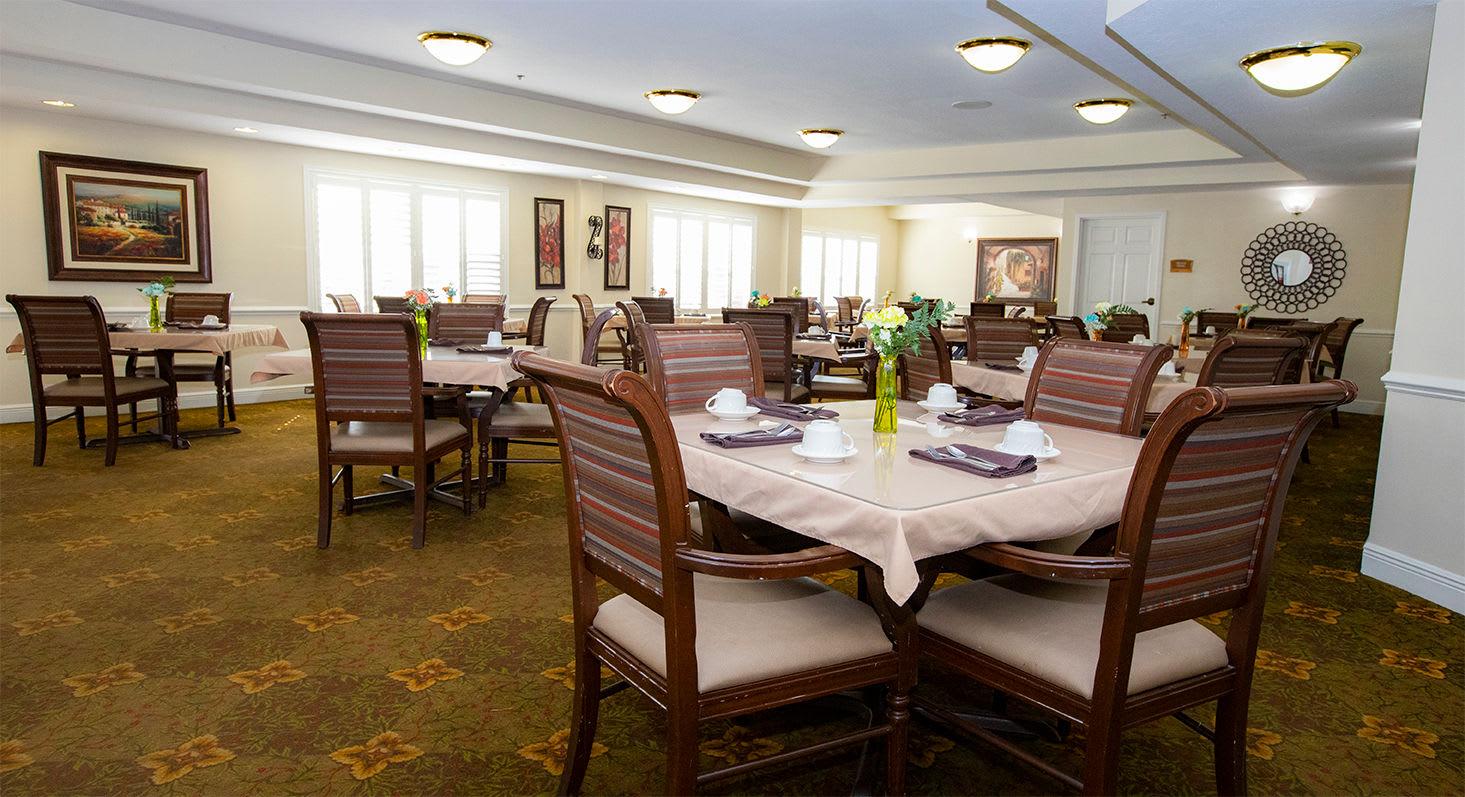 Dining Room at Hibiscus Court Senior Living