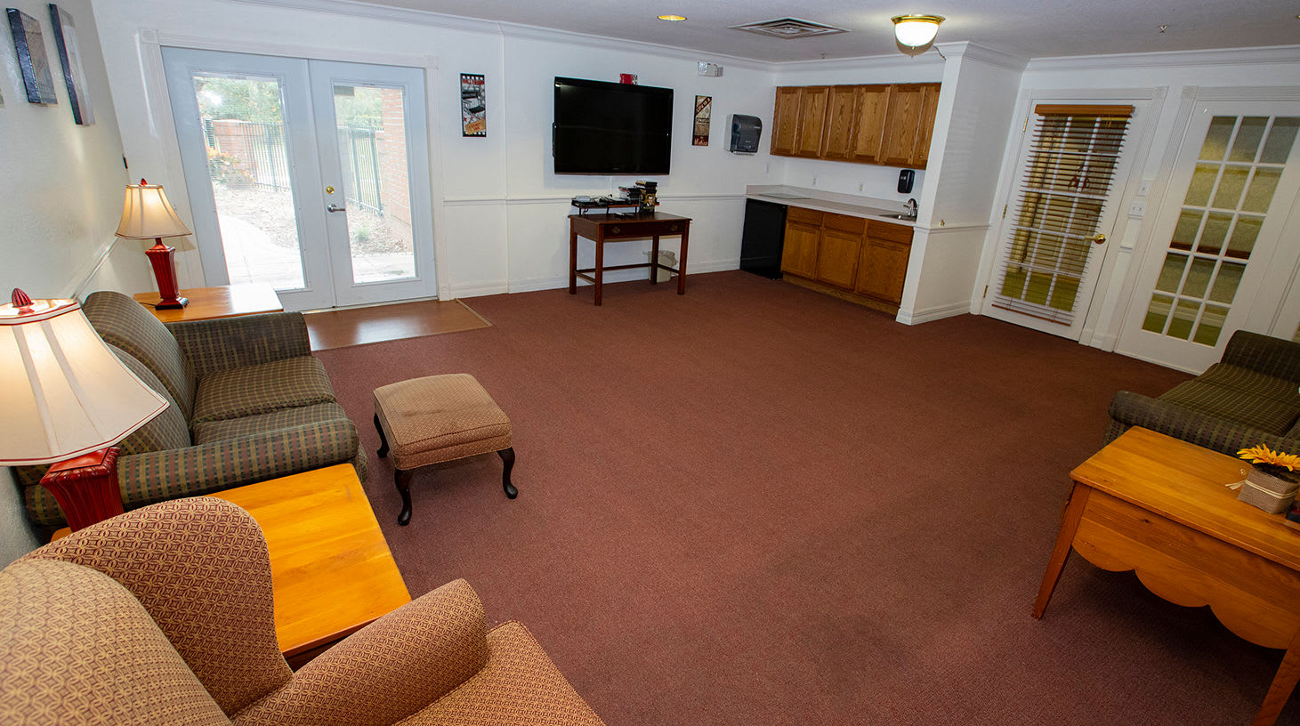 Lounge at Savannah Grand of Maitland Senior Living