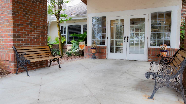 Front entrance at Savannah Grand of Maitland Senior Living