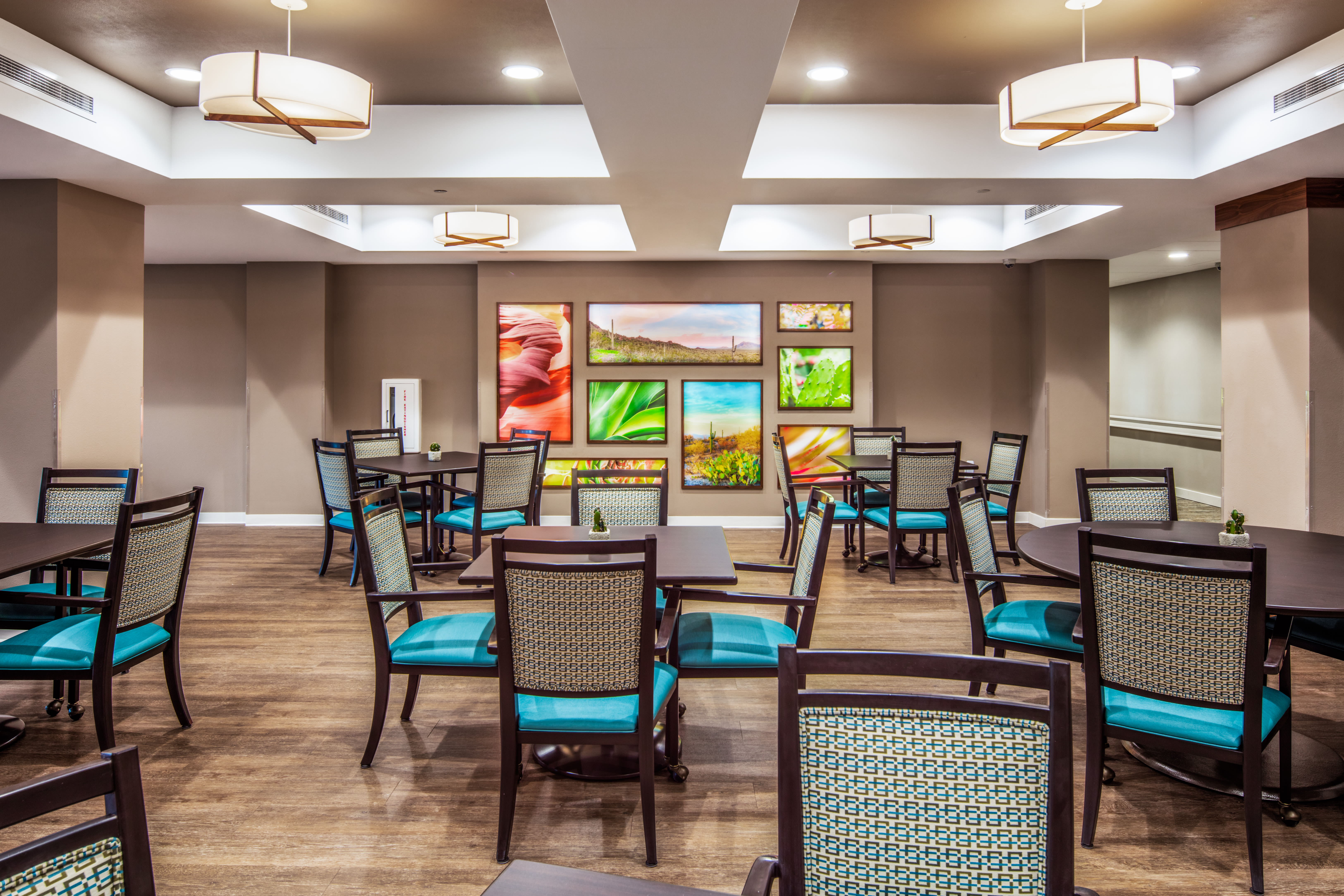 Restaurant style dining hall at Quail Park of Oro Valley in Oro Valley, Arizona