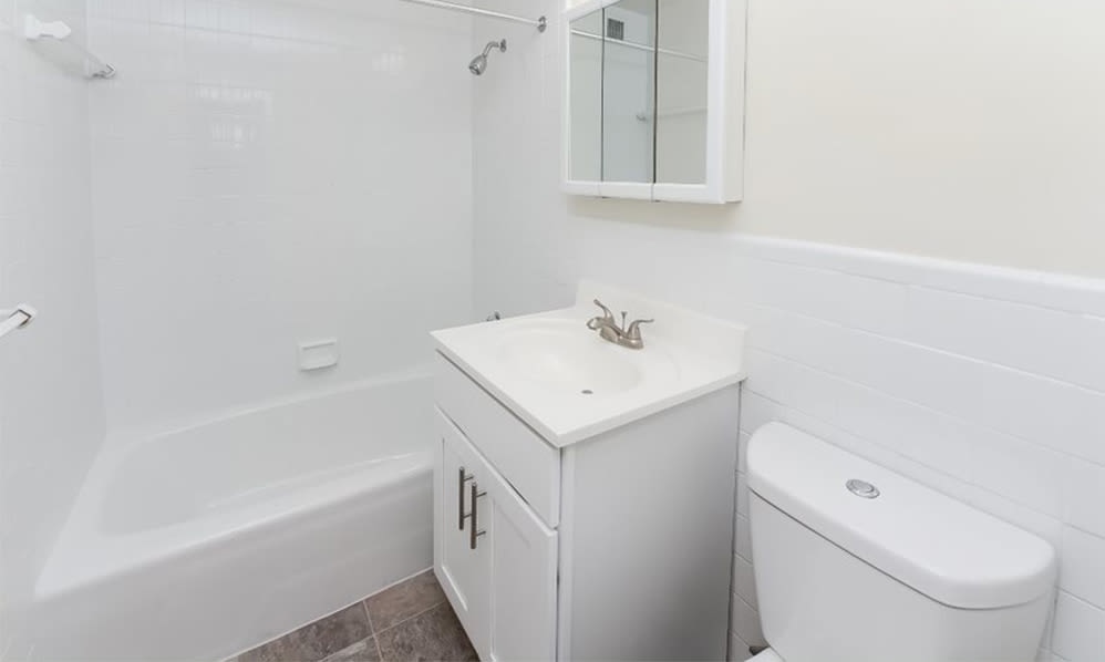 Bathroom at Nieuw Amsterdam Apartment Homes in Marlton, New Jersey