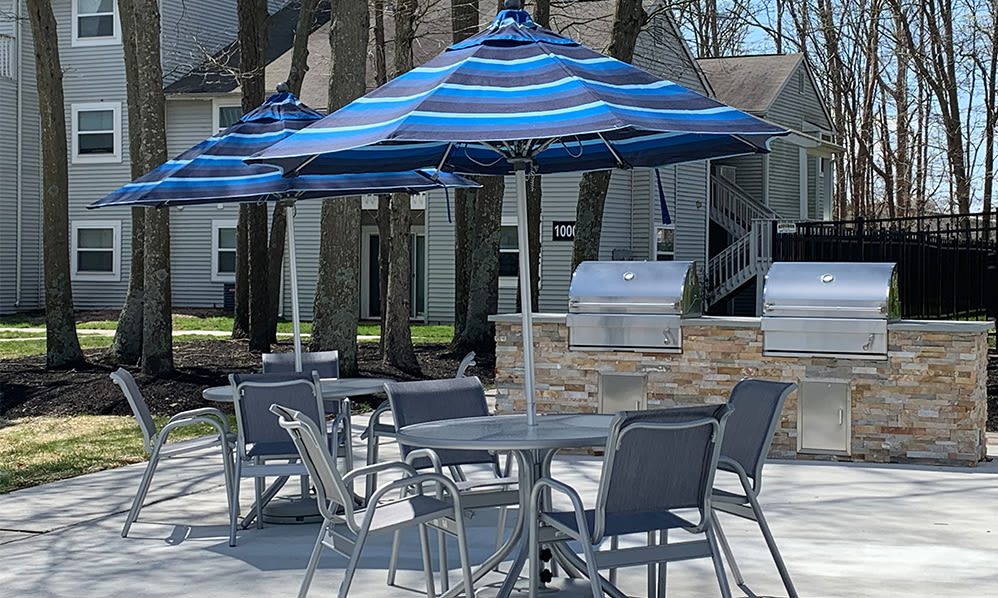 Outdoor BBQ Area at The Landings Apartment Homes in Absecon, New Jersey