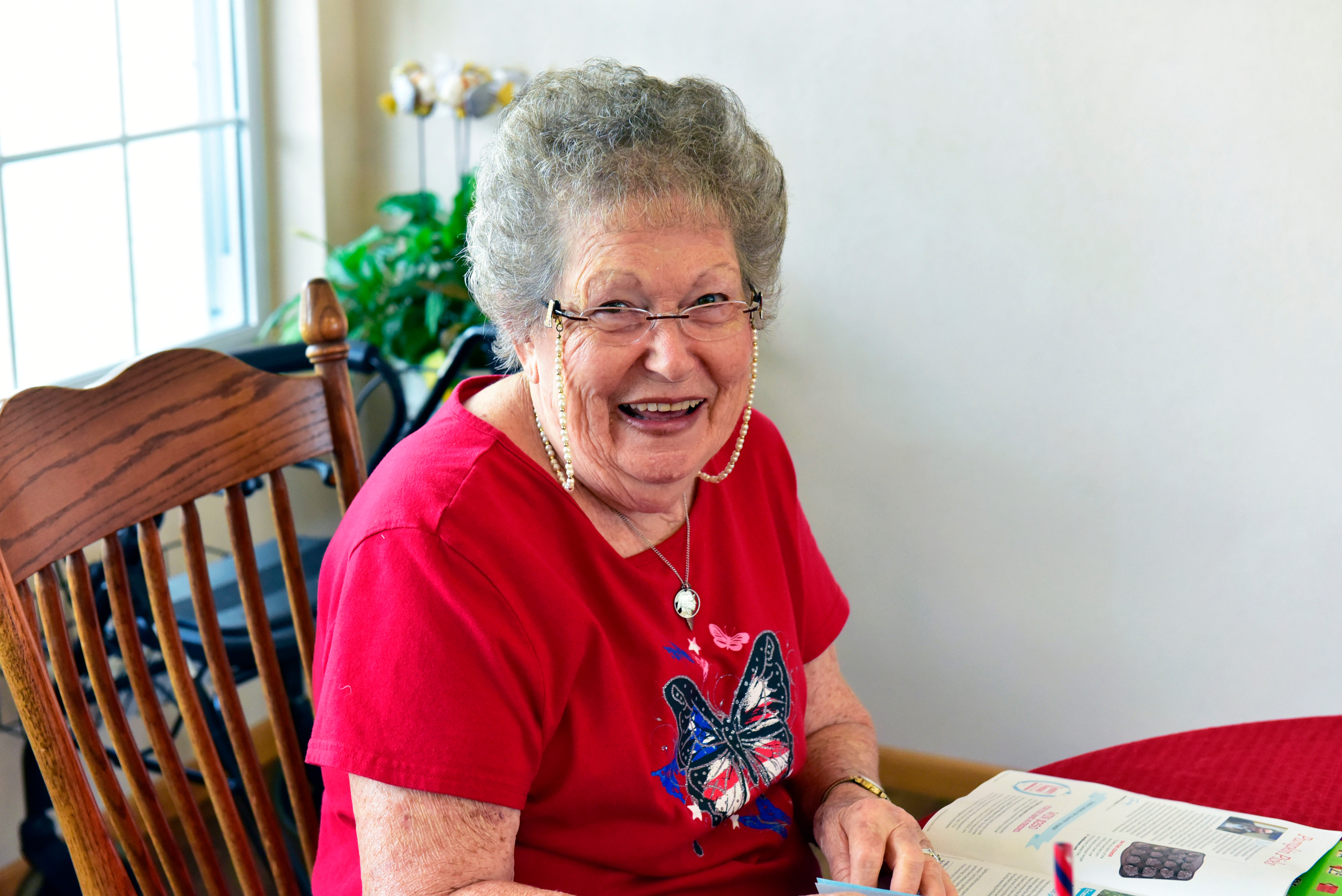 Happy resident at Garden Place Millstadt