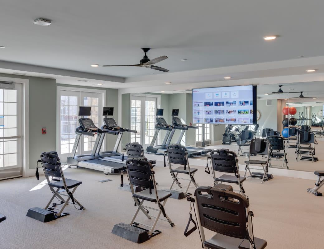 Community fitness studio - Avenida Naperville