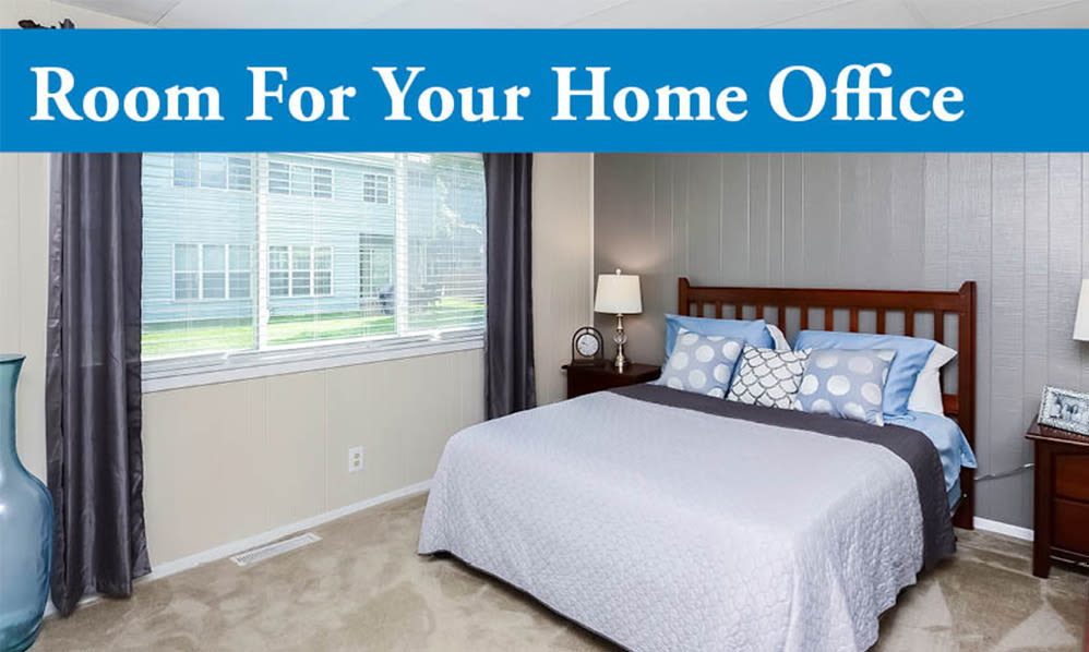 Home office space at Oxford Manor Apartments & Townhomes in Mechanicsburg, PA