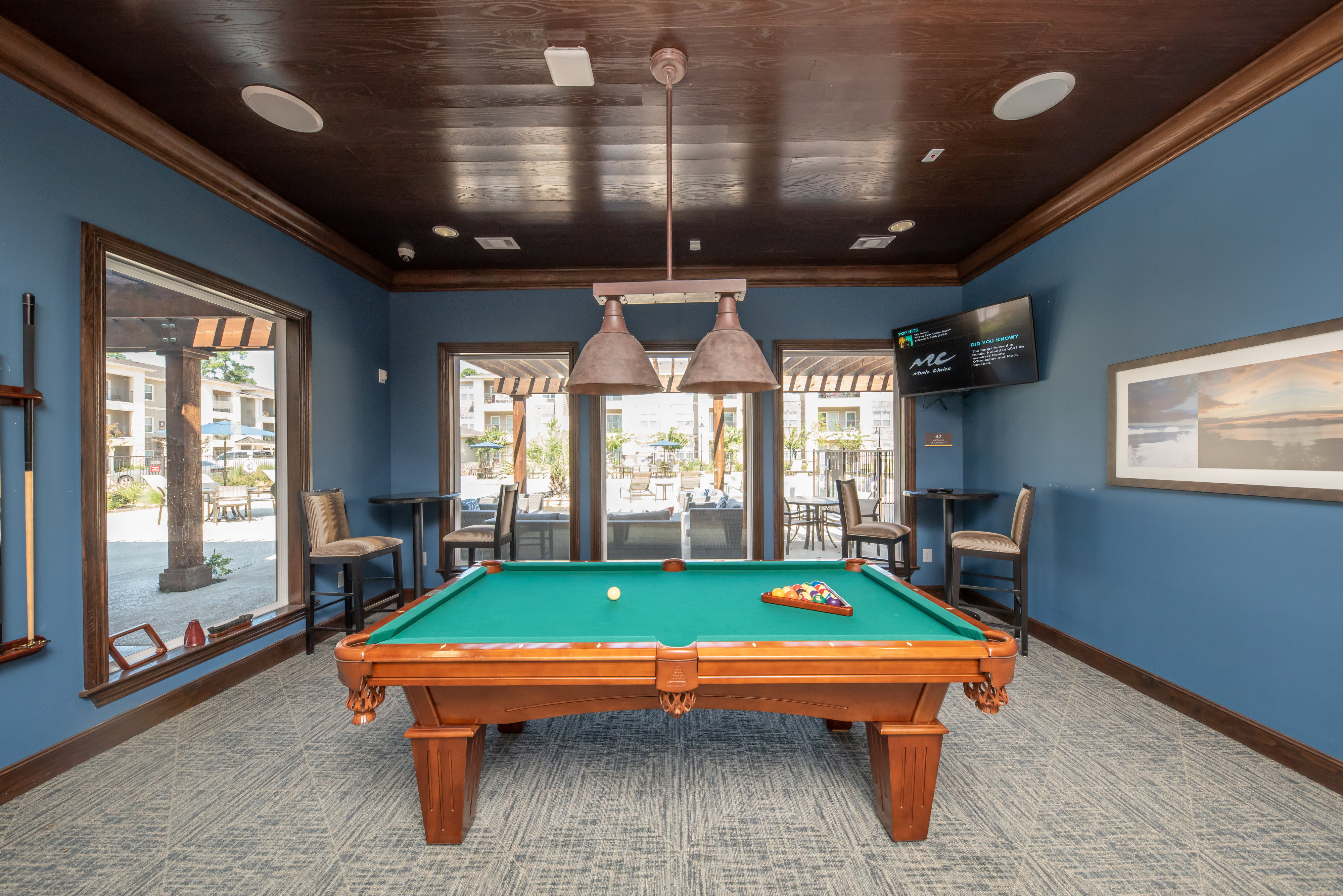 View virtual tour of our resident lounge at Hilltops in Conroe, Texas