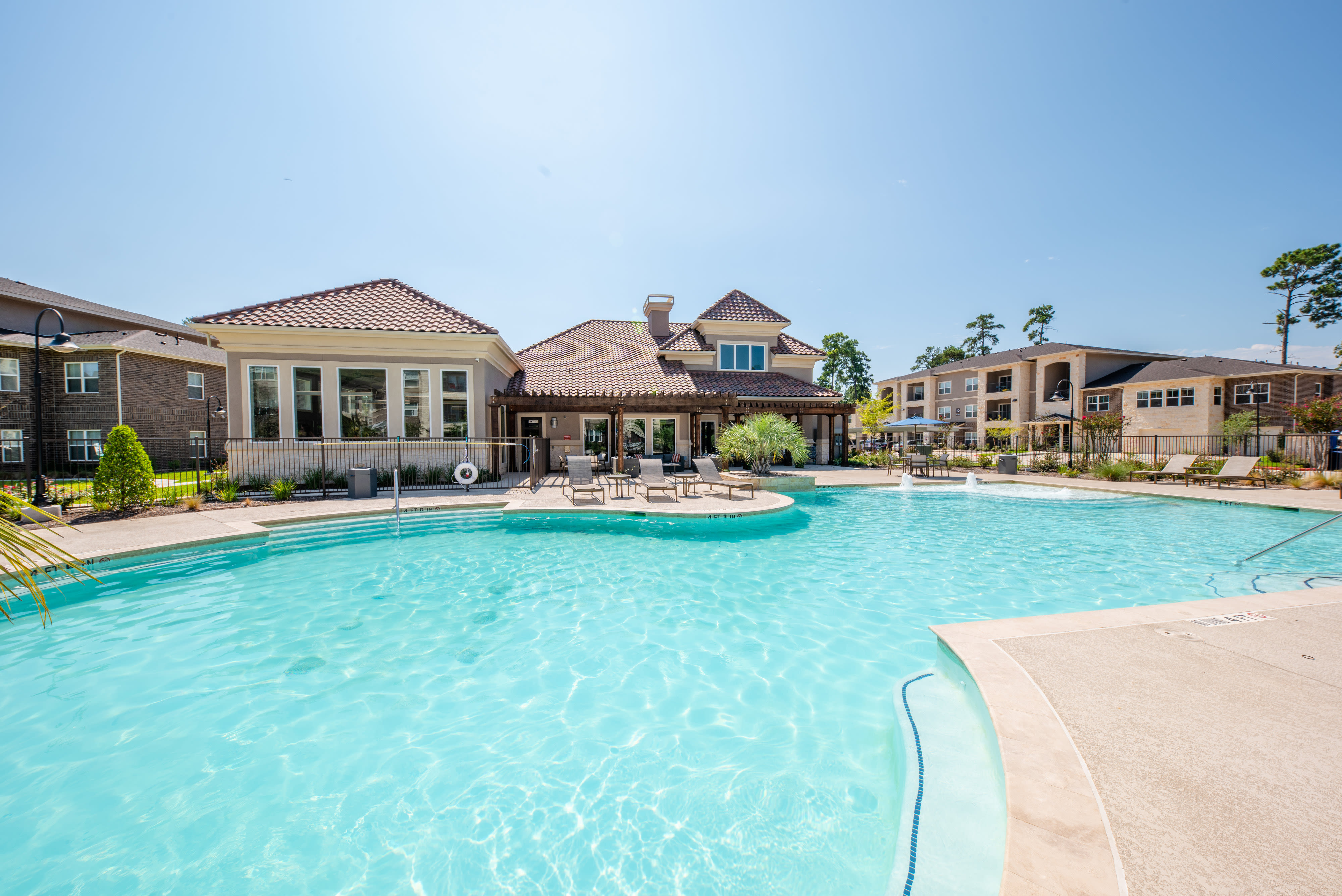 View virtual tour of our swimming pool area at Hilltops in Conroe, Texas