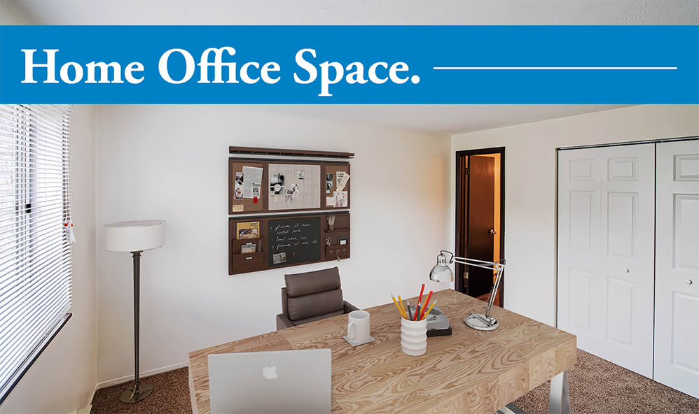 Home office space at Westpointe Apartments in Pittsburgh, Pennsylvania