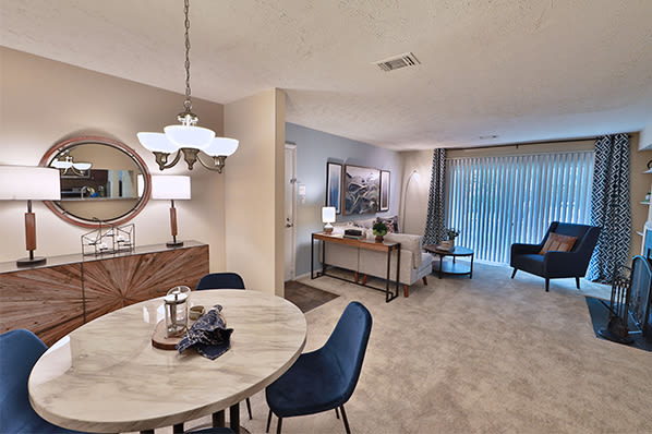 Chase Lea Apartment Homes offers a beautiful living room in Owings Mills, MD