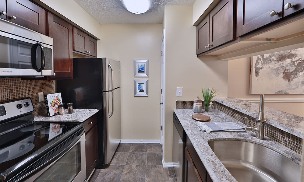 Modern kitchen at Chase Lea Apartment Homes in Owings Mills, Maryland
