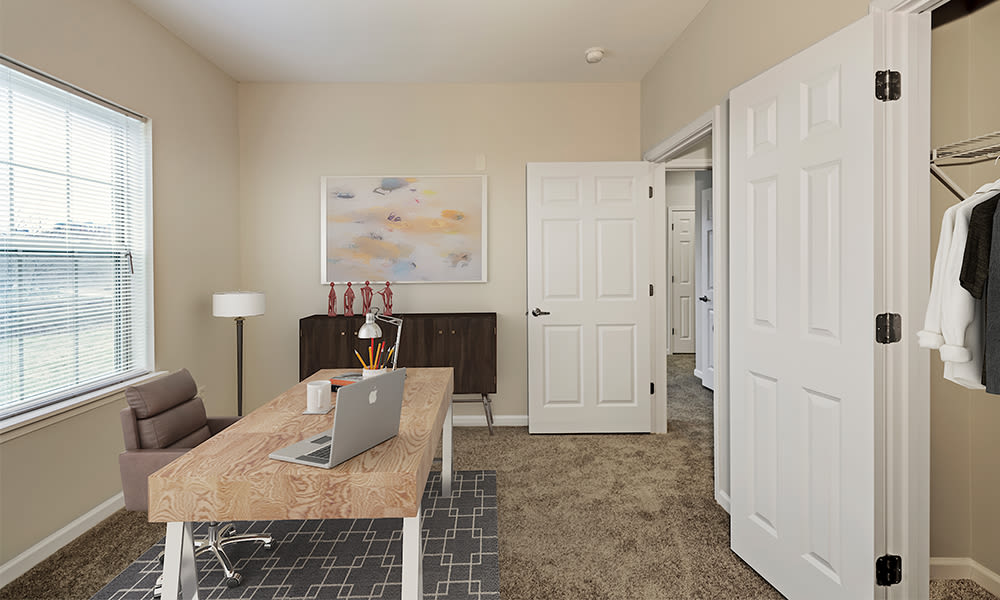 Reserve at Southpointe offers large modern bedrooms in Canonsburg, Pennsylvania