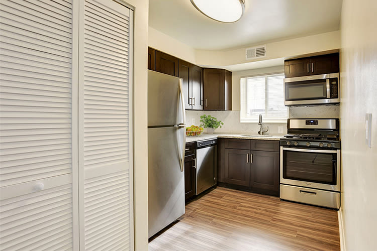 Glen Ridge Apartment Homes offers a spacious bedroom in Glen Burnie, Maryland