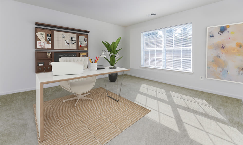 Home office space at The Horizons at Franklin Lakes Apartment Homes in Franklin Lakes, New Jersey