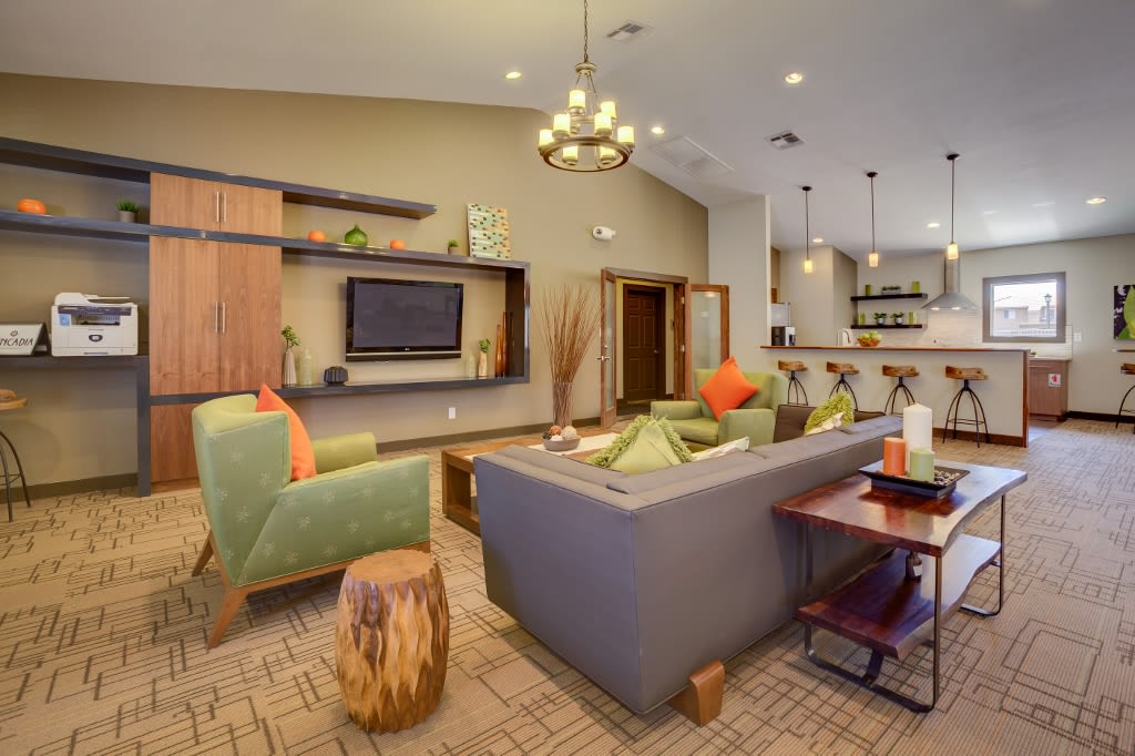 Clubhouse community space at 505 West Apartment Homes in Tempe, Arizona