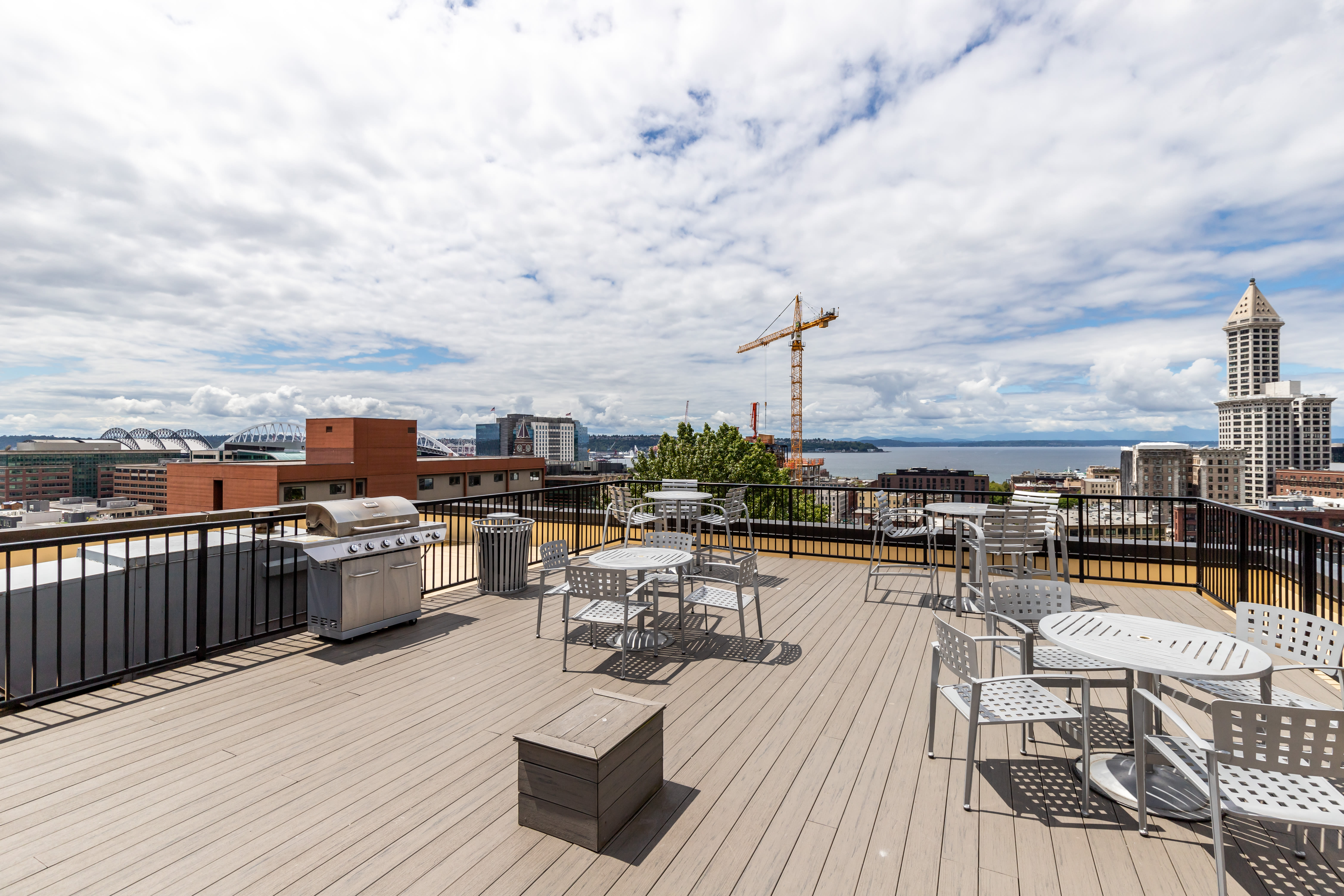 Rooftop deck with great views at Metropolitan Park Apartments in Seattle, Washington