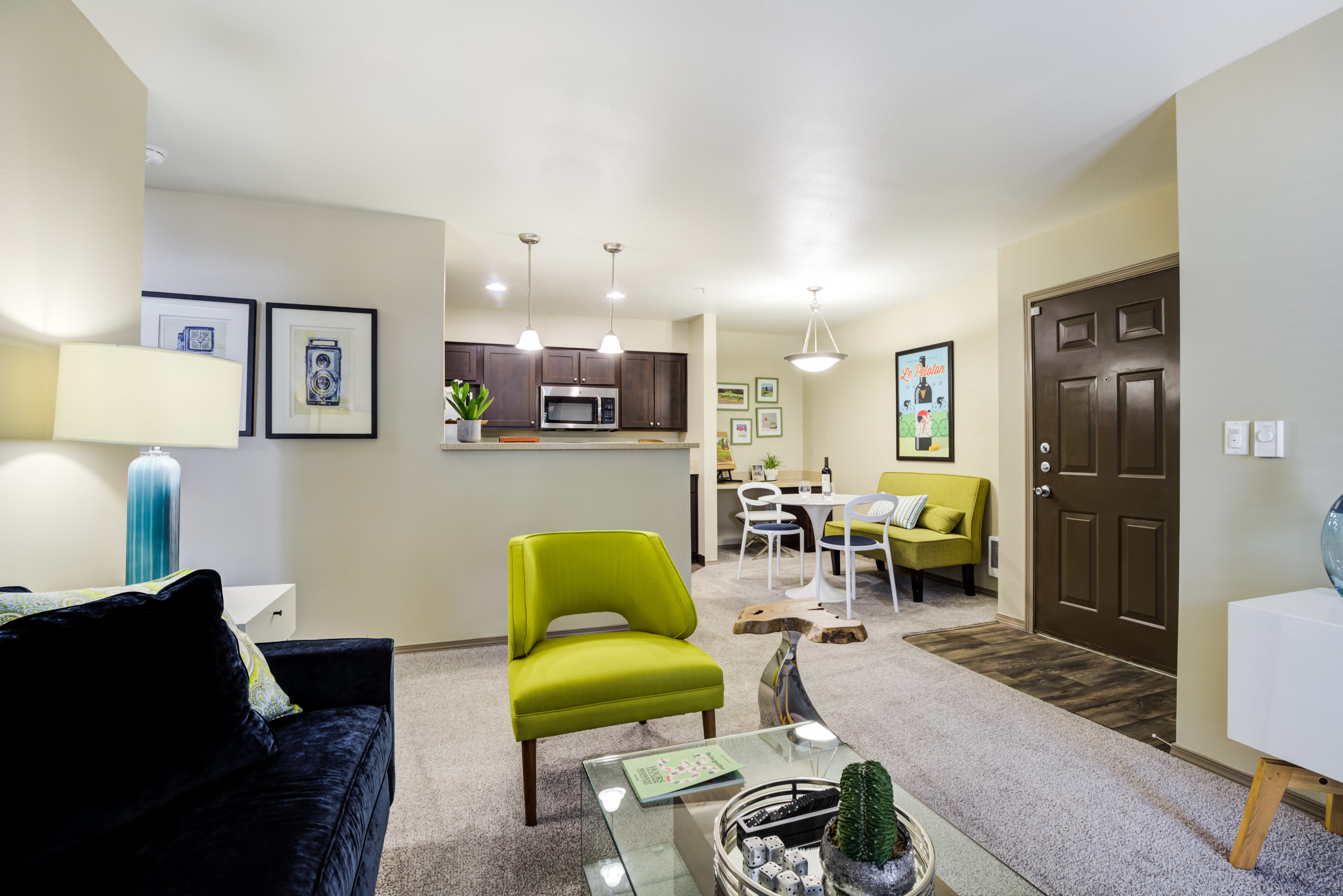 The Knolls at Inglewood Hill offers a Beautiful Living Room in Sammamish, Washington