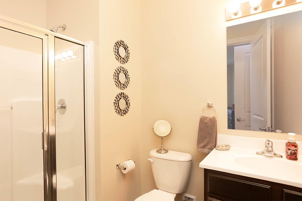 Large bathroom at Marquis Place in Murrysville, Pennsylvania