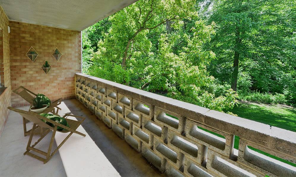 Private balcony at Marchwood Apartment Homes
