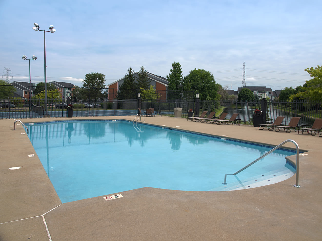 Sterling Lakes offers a Swimming Pool in Mason, Ohio
