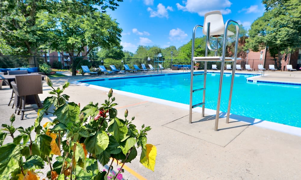Beautiful Pool at Columbia Pointe Apartment Homes in Columbia, MD