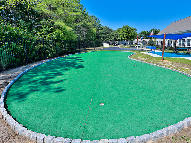 Putting green at St. Mary's Landing Apartments & Townhomes