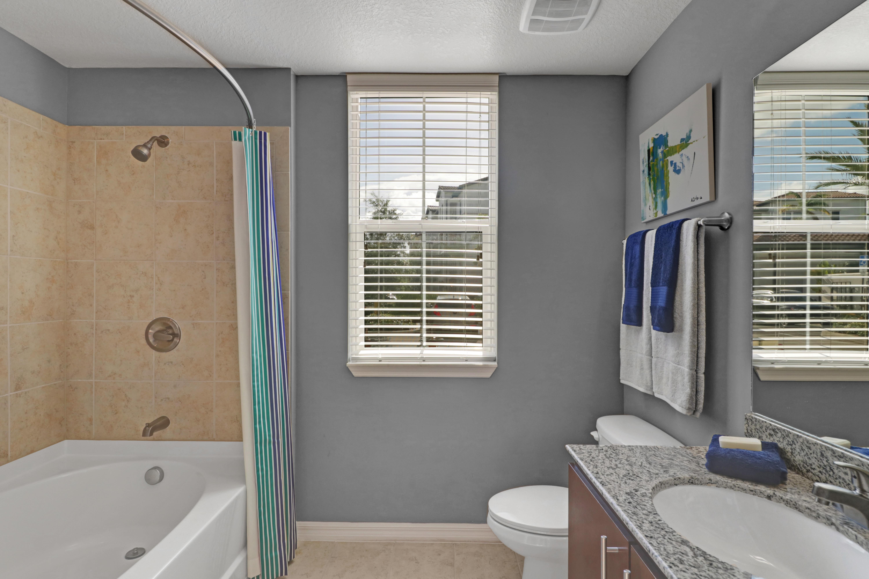 Spacious bathroom at Linden Pointe in Pompano Beach, Florida
