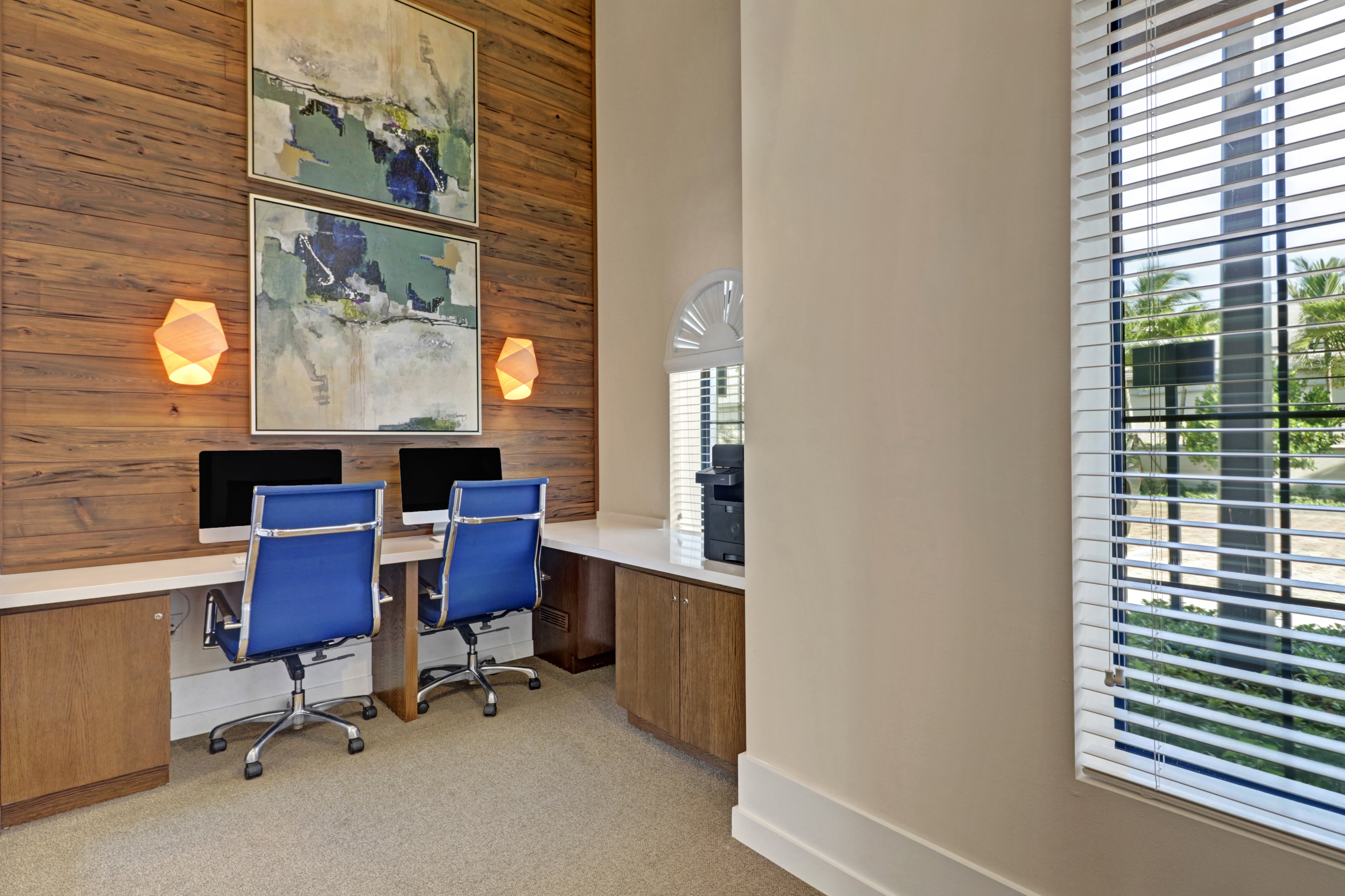 Business center at Linden Pointe in Pompano Beach, Florida