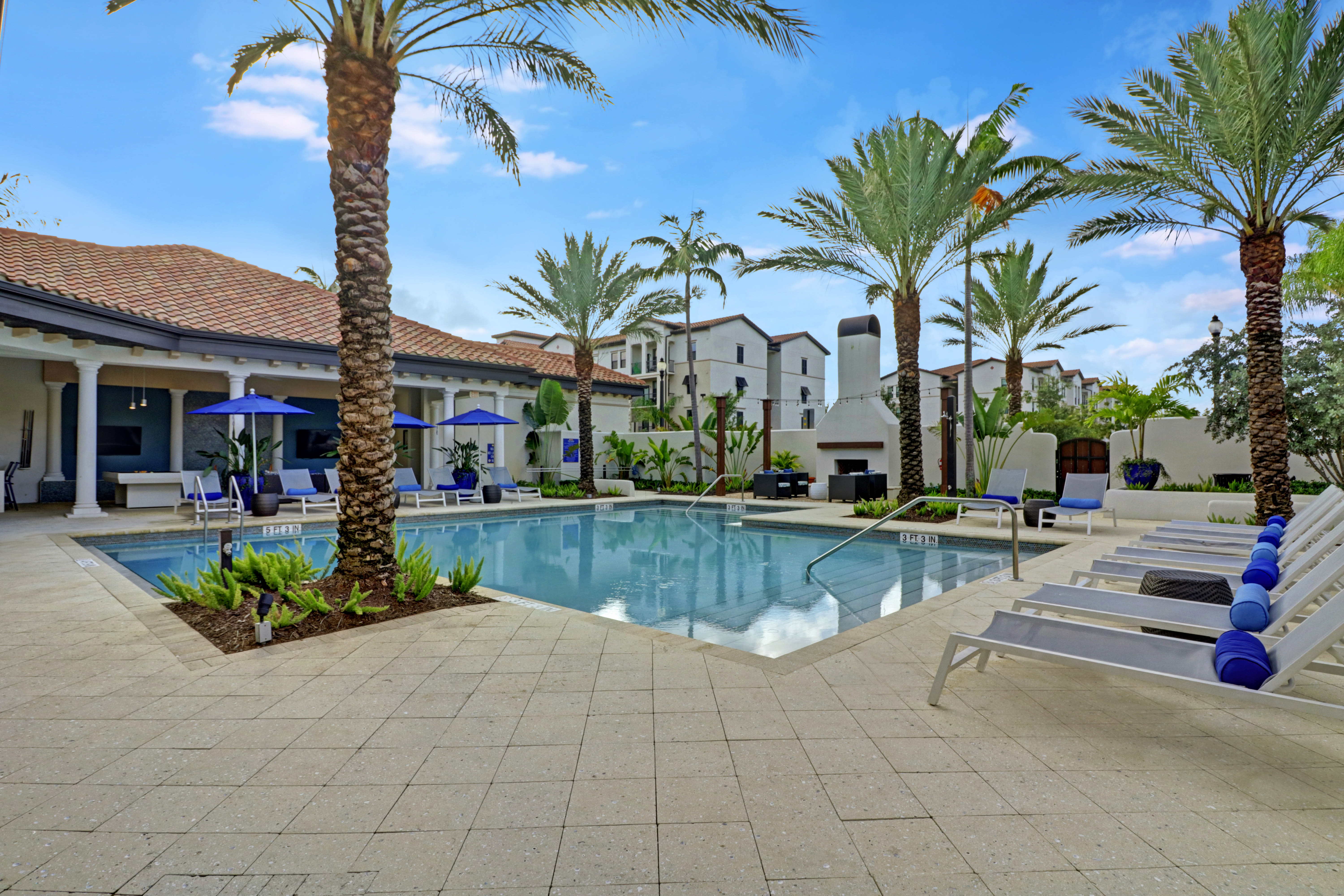 Luxurious community swimming pool at Linden Pointe in Pompano Beach, Florida