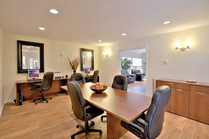 Business centerr at Hampden Heights Apartments in Denver, Colorado