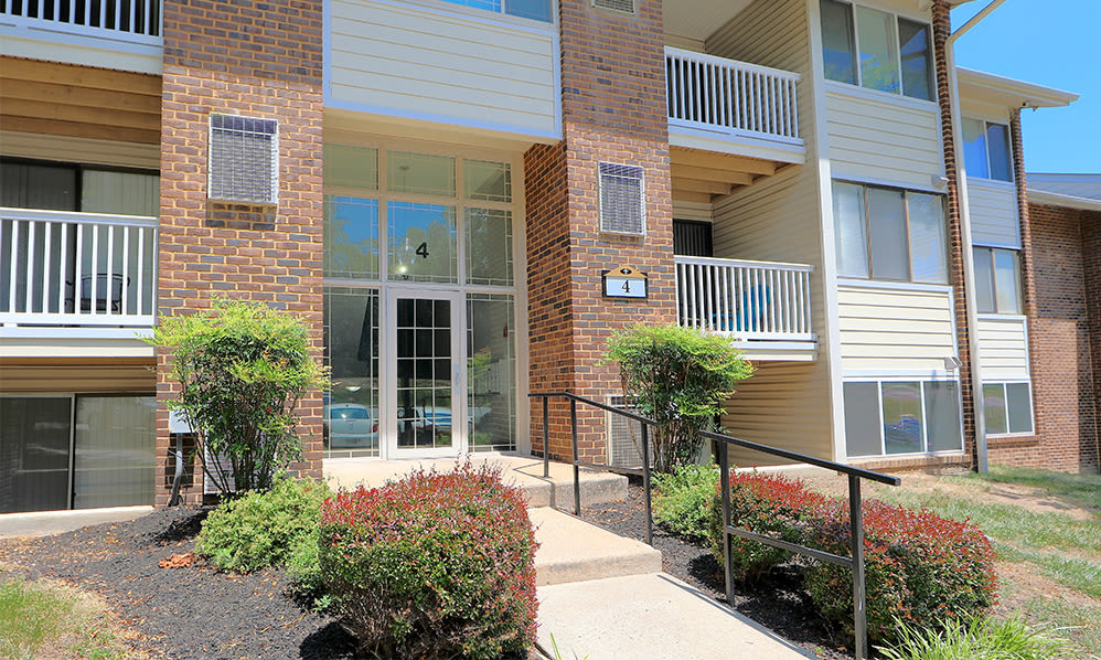 Exterior views at Skylark Pointe Apartment Homes in Parkville, Maryland