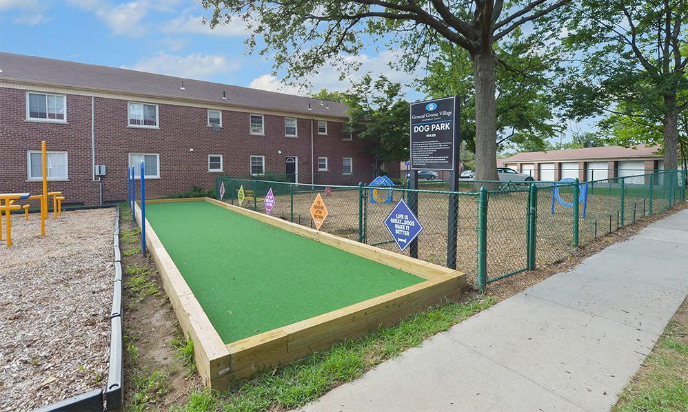 Putting green at General Greene Village Apartment Homes in Springfield, NJ