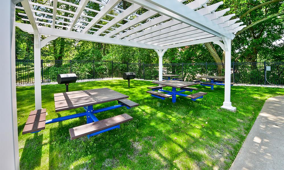 BBQ area at The Villas at Bryn Mawr Apartment Homes in Bryn Mawr, Pennsylvania