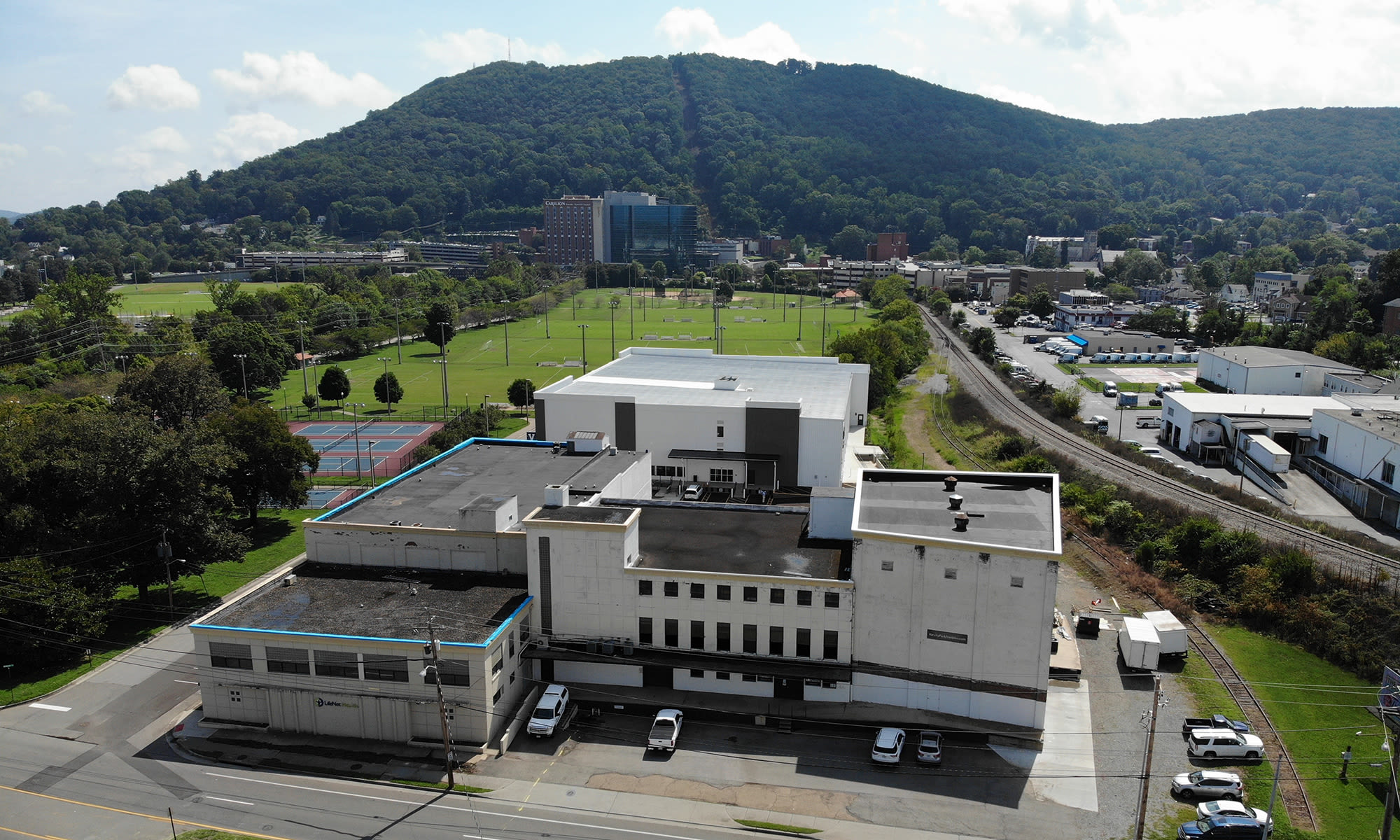 Convenient Location near Downtown and South Roanoke at Virginia Varsity Self Storage in Roanoke, Virginia is located