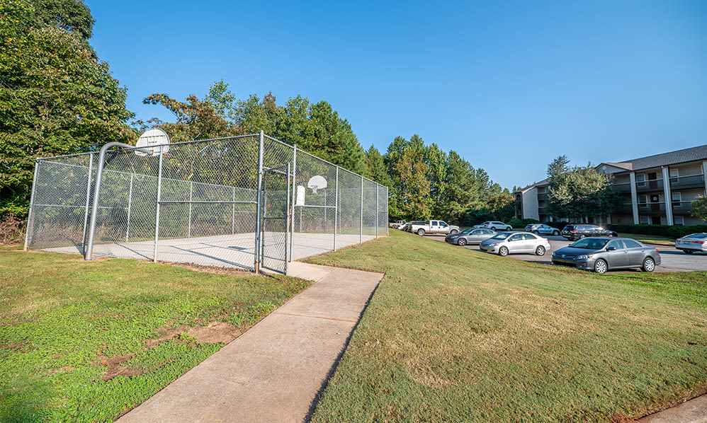 Basketball court at Station 153 Apartment Homes in Anderson, South Carolina