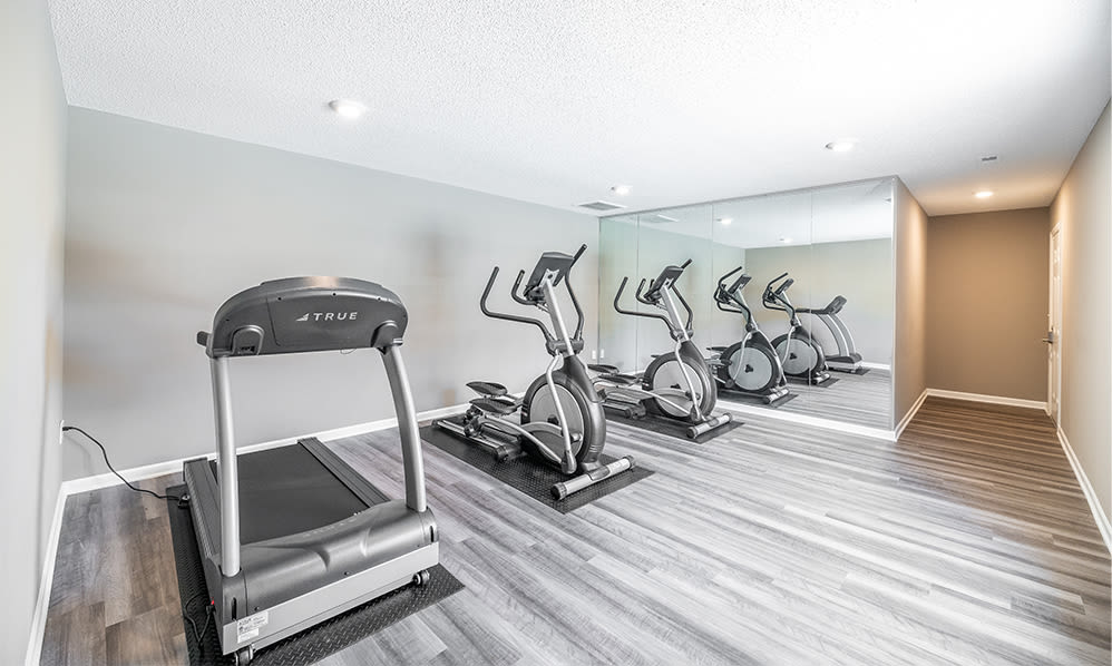 Fitness center at Sharon Pointe Apartment Homes in Charlotte, North Carolina