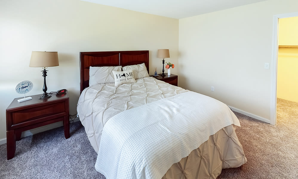 Bedroom at Imperial Gardens Apartment Homes in Middletown, NY