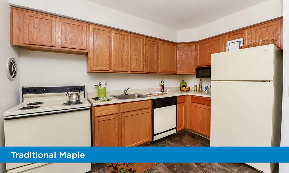 Beautiful kitchens at Eatoncrest Apartment Homes in Eatontown, New Jersey