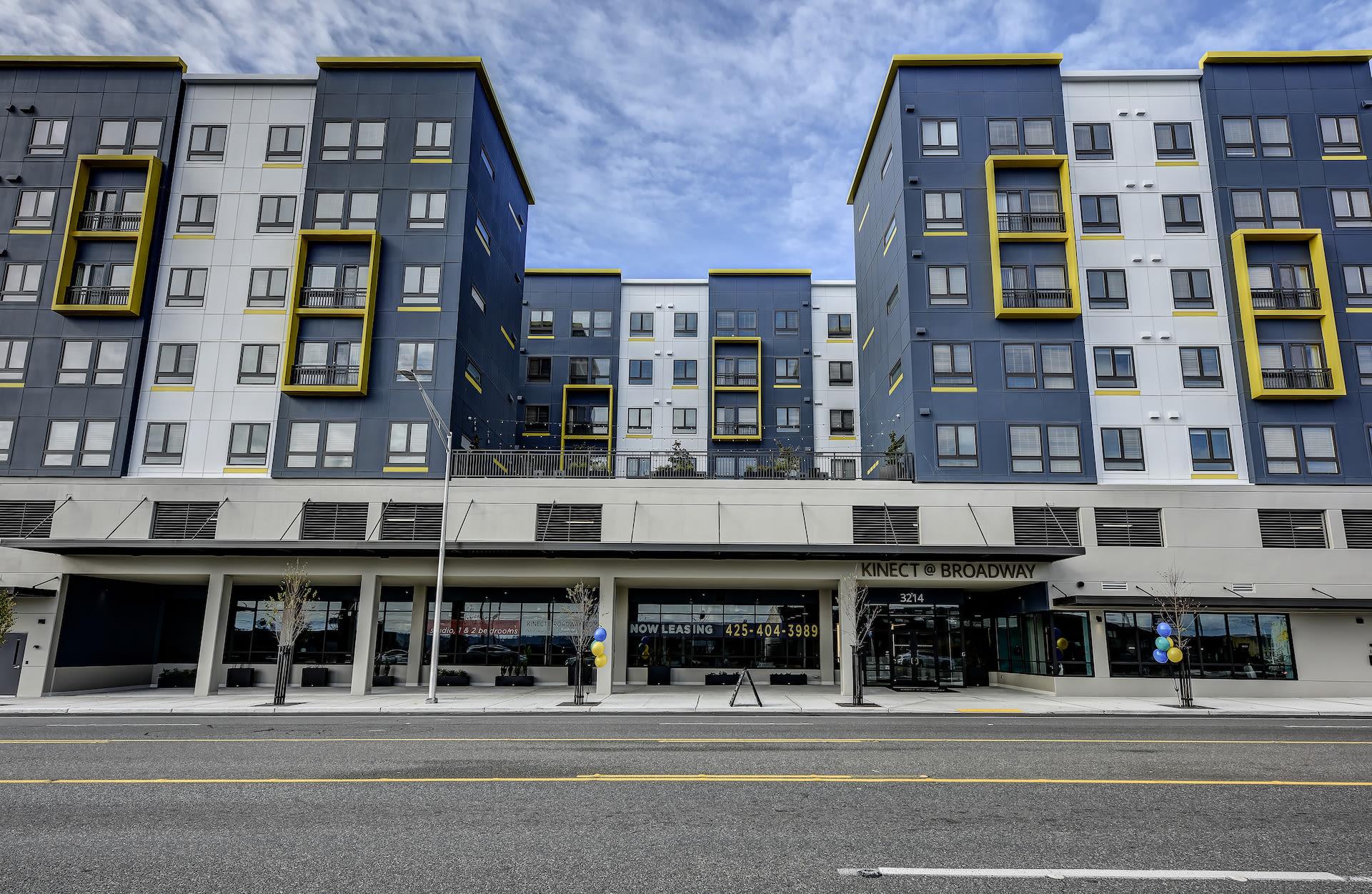 Luxury apartments in Everett, Washington at Kinect @ Broadway