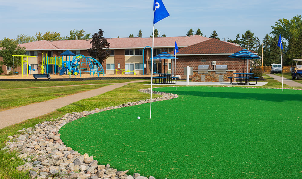 Putting green at Creek Hill Apartments in Webster, New York