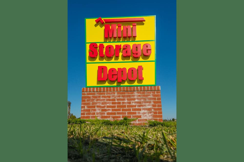 Mini Storage Depot sign in Fairfield Township, Ohio