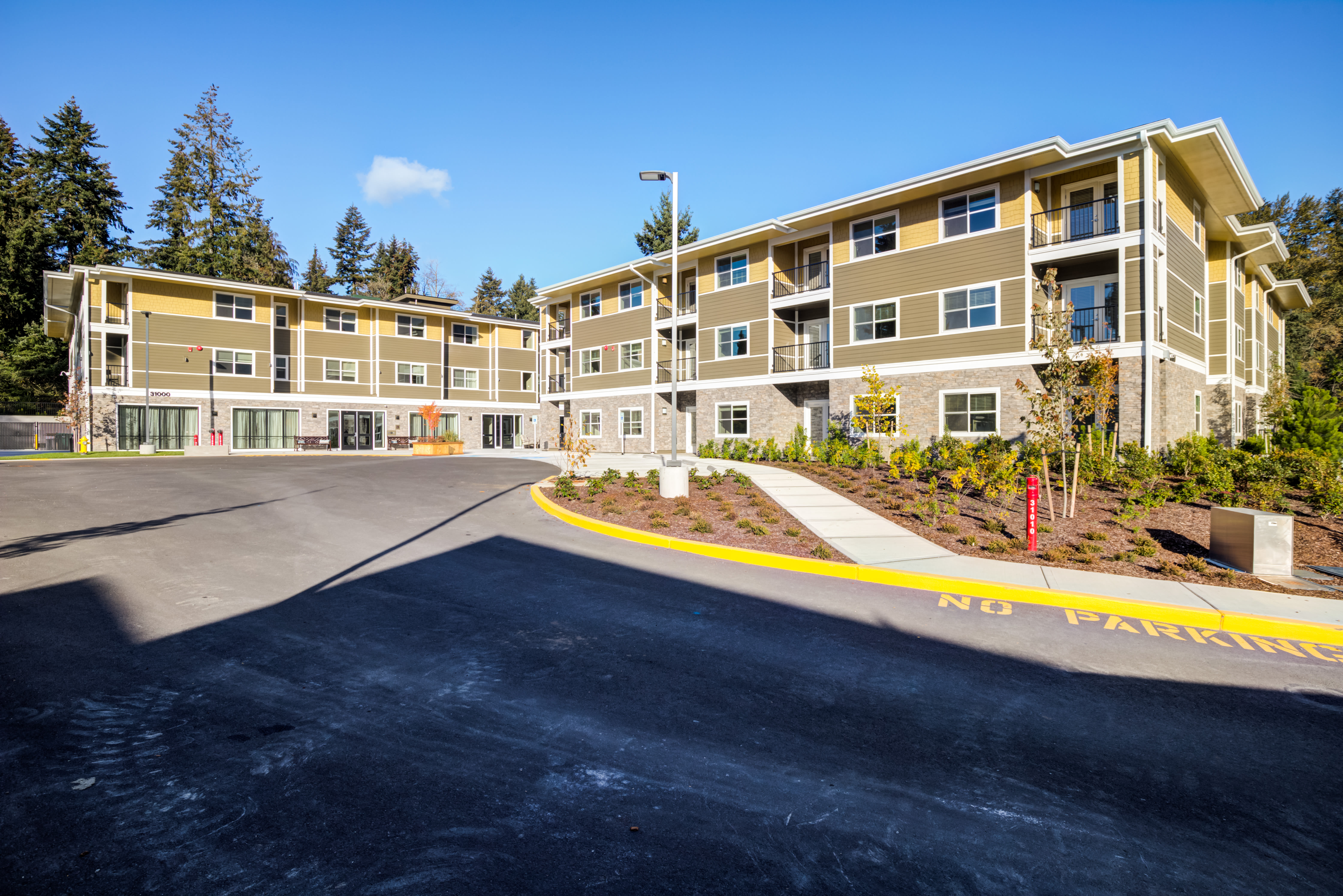 Assisted Living and Memory Care Campus at Mirror Lake Village Senior Living Community in Federal Way, WA